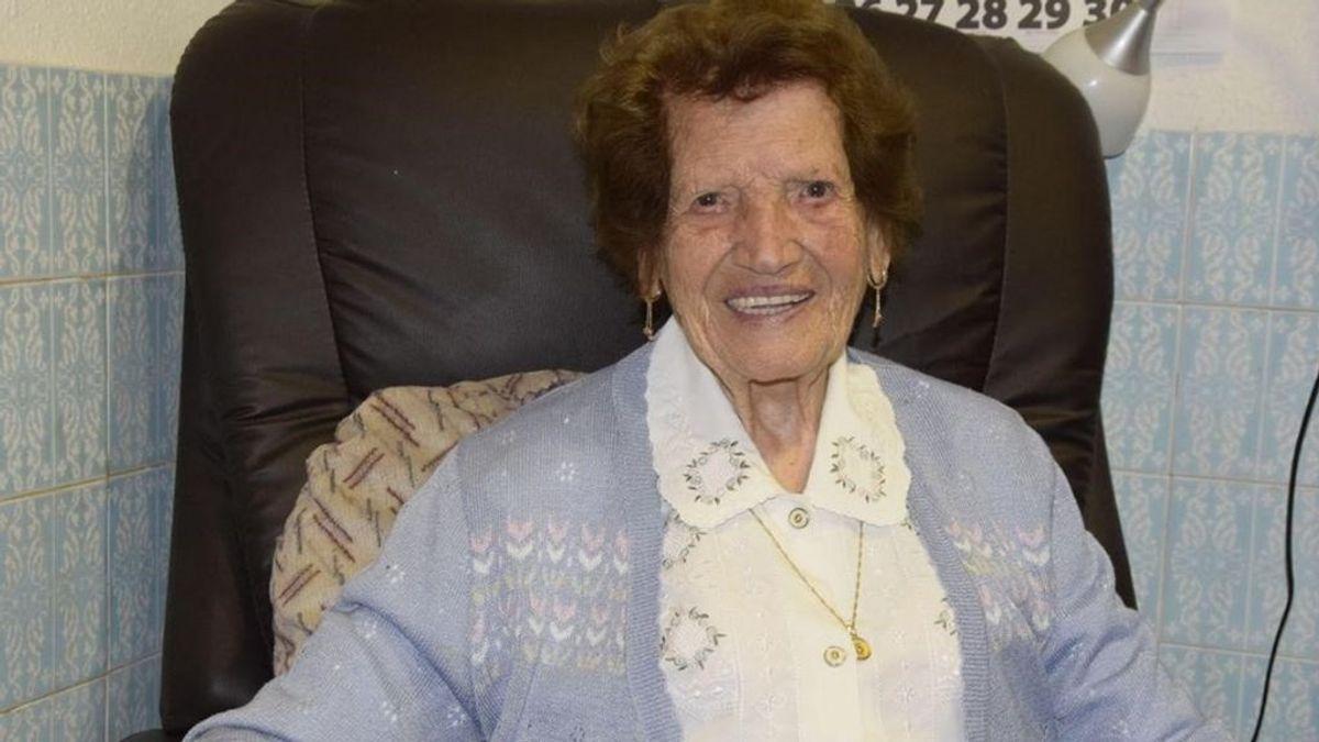 El empleo de Clotilde, voluntaria de Cáritas a los 107 años