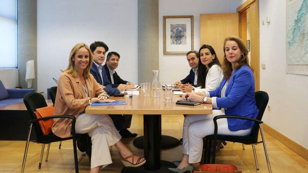 Vox y PP firman un pacto para entrar en el Gobierno de la Comunidad de Madrid