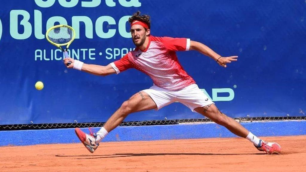 El tremendo enfado del tenista español, Mario Vilella, tras perder en un torneo