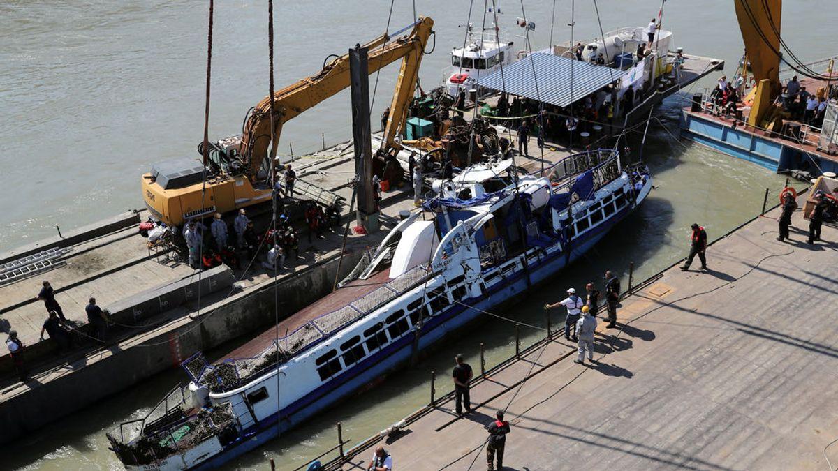 Recuperados otros cuatro cadáveres del Danubio tras el naufragio de una embarcación turística