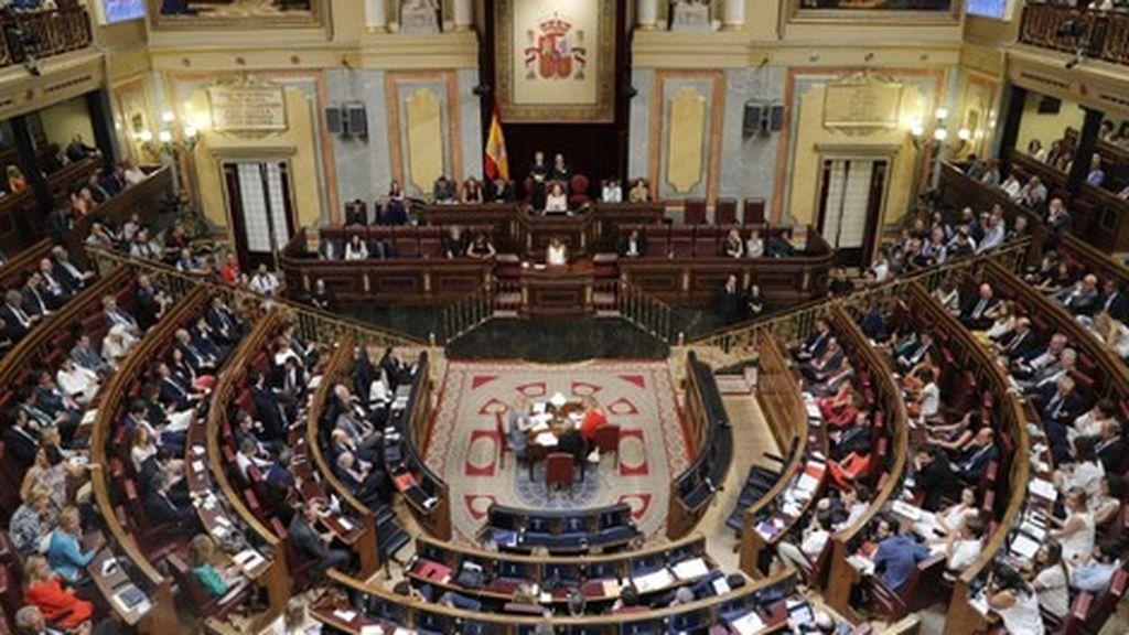 El Congreso manda a Cs a la derecha del hemiciclo, deja al PNV en primera fila y envía a Vox al 'gallinero'