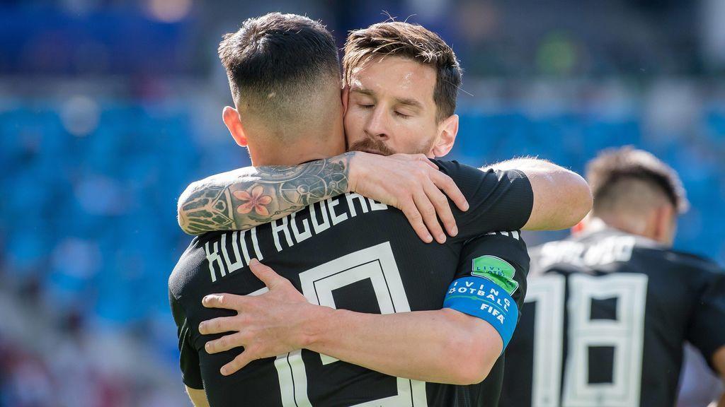 Leo Messi le gasta una broma al Kun Agüero en la concentración de la selección argentina y la publica en las redes sociales