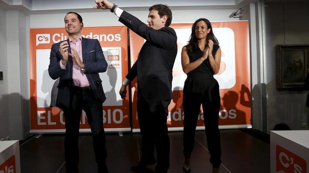 Vox insiste en entrar en Gobierno de Madrid pese a la negativa de Rivera