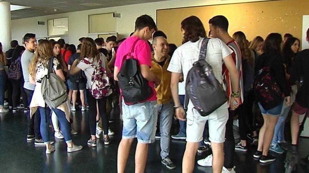 Bloqueadas en el Consejo Escolar casi un millón de becas de forma temporal
