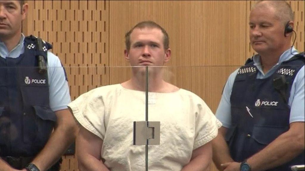 El terrorista de Nueva Zelanda se declara no culpable de la peor matanza en el país