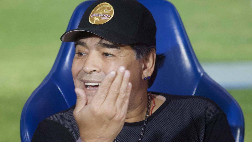 Maradona deja el banquillo del Dorados por recomendación médica