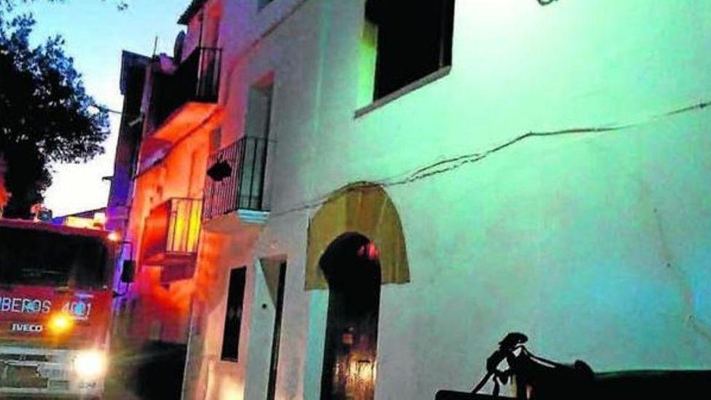 Acusan de asesinato a un menor por quemar vivo a su padre en Zaragoza