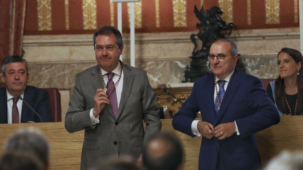 EuropaPress_2208182_Juan_Espada_(Psoe)_ha_sido_elegido_alcalde_de_Sevilla