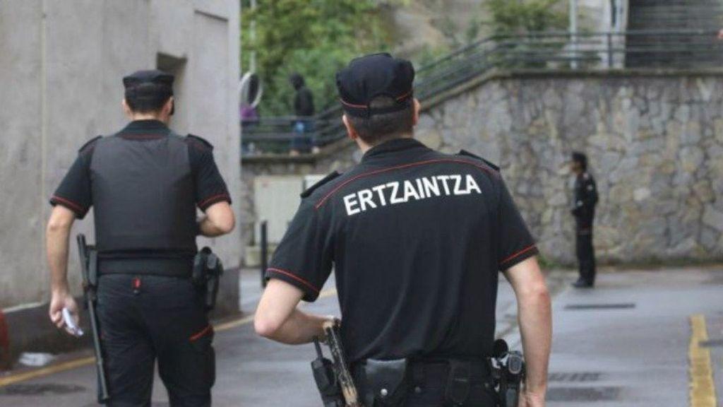 Detenido un hombre por atropellar a dos mujeres, una de ellas su expareja, en Sopela (Vizcaya)