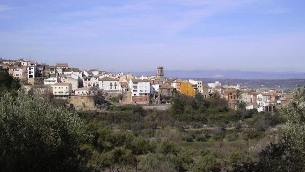 El Ayuntamiento de Agres (Alicante) se ha constituido a medianoche para que un concejal se vaya de crucero