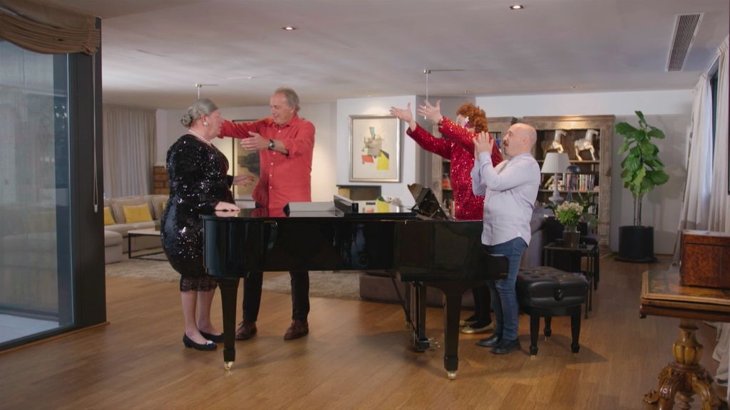 Avance exclusivo 'Mi casa es la tuya': Bertín Osborne y Los Morancos recrean 'New York, New York' de Frank Sinatra