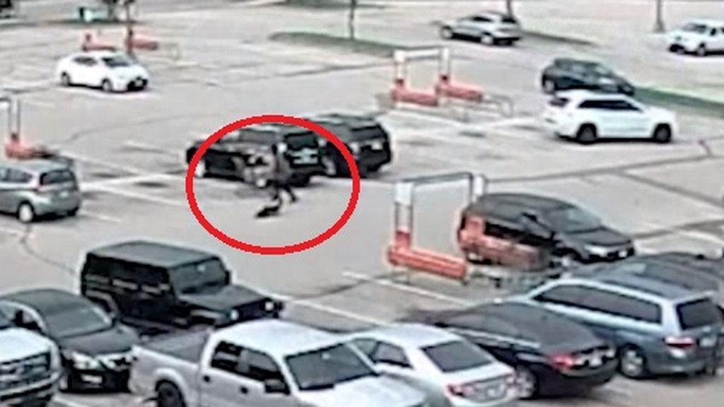 Graban el terrible momento en el que un adolescente lanza contra el suelo a un bebé de un año en EEUU