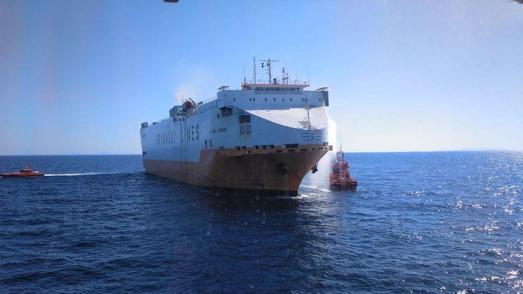 Varios detenidos por el incendio del buque 'Grande Europa' del pasado mayo
