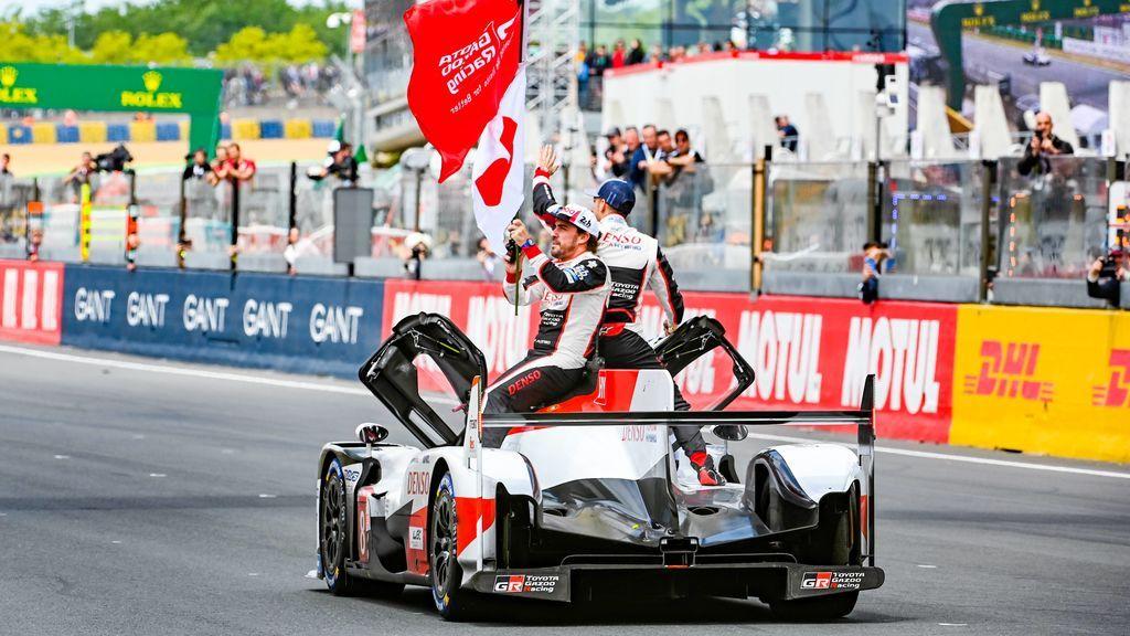 Fernando Alonso hace historia: el asturiano es campeón del WEC y de F1