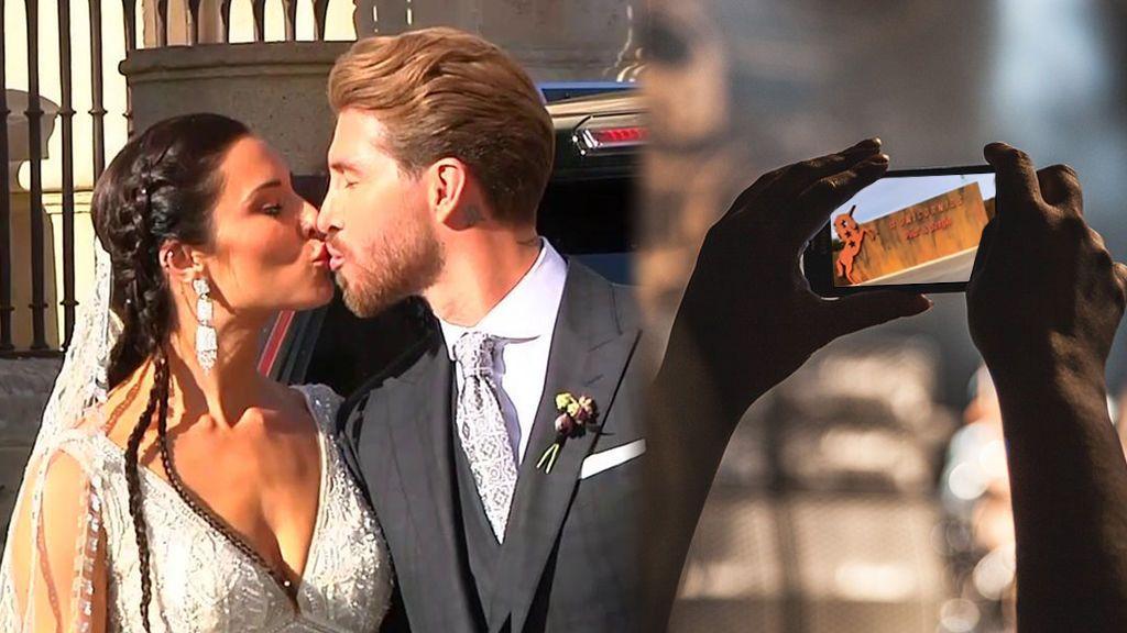 Grabar con el móvil en la boda de Sergio Ramos y Pilar Rubio: rebeldía o traición, vota