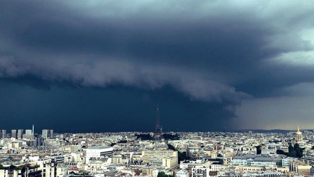 Francia decreta catástrofe natural tras la tormenta que dejó un muerto