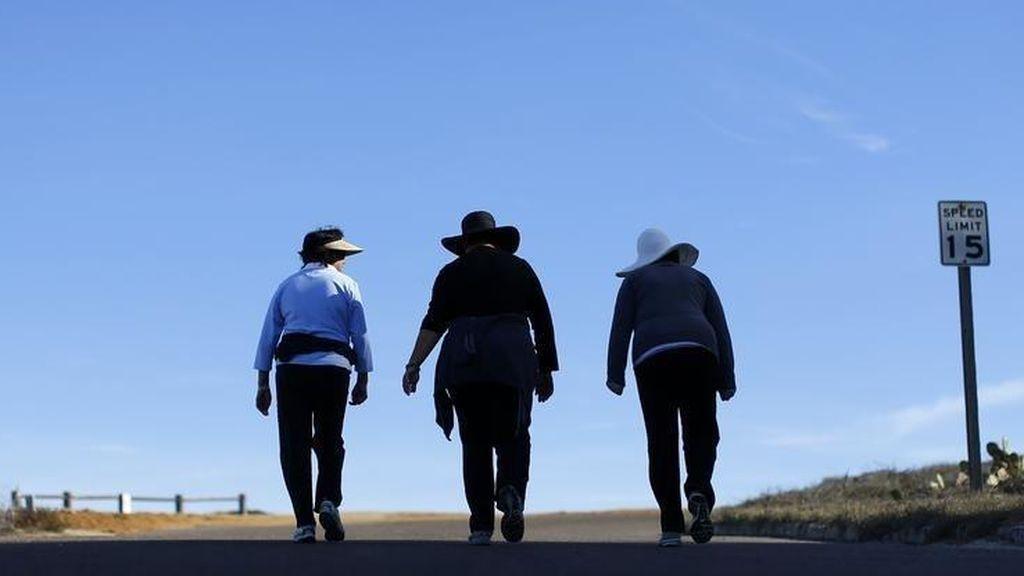 Caminar 15.000 pasos al día nos pone en forma y 10.000 no bastan, según un estudio