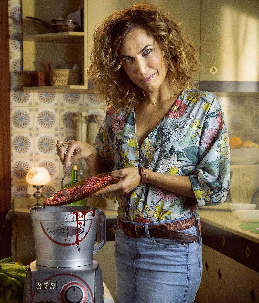 Mayte Soldevilla: la líder, de día vende TurboThunders y de noche los utiliza para descuartizar a la gente