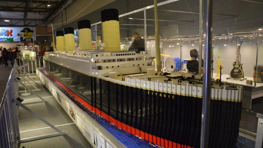 Esta réplica del Titanic mide 11 metros de largo, casi 3 de alto y tiene medio millón de piezas