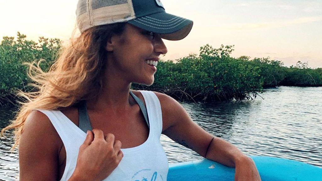 """Lara Álvarez y el equipo de 'Supervivientes', comprometidos con la lucha contra el plástico: """"En unos pocos metros, recogimos 72 kilos"""""""