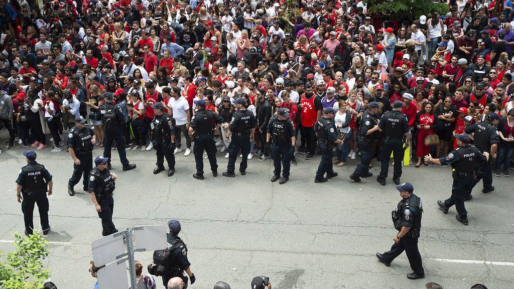 Tiroteo en Toronto durante la celebración del título de la NBA: hay dos heridos y dos detenidos