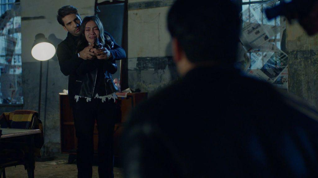 Kemal y Nihan tienden una trampa a Emir