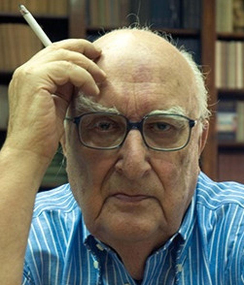 El escritor italiano Andrea Camilleri,  en estado grave tras un infarto