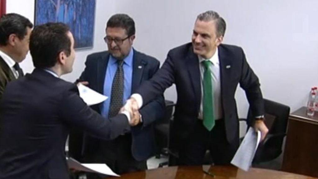 ¿Qué es lo que firmaron PP y Vox en Madrid y que Vox amenaza con enseñar?