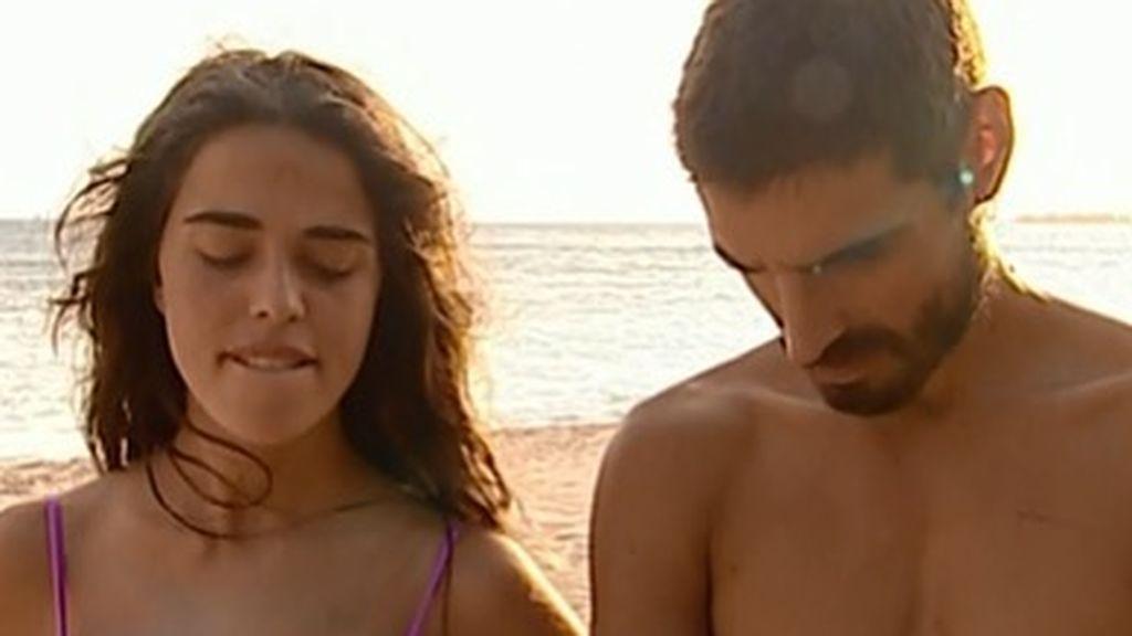 Exclusiva 'Cazamariposas': la relación de Violeta y Fabio en 'Supervivientes' podría ser un montaje