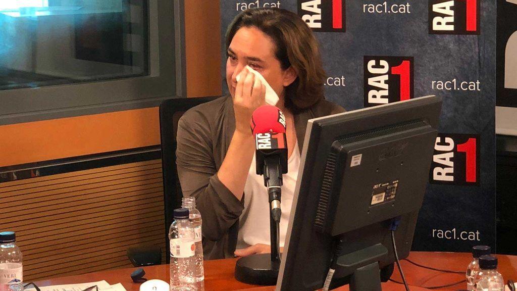Ada Colau rompe a llorar en una entrevista