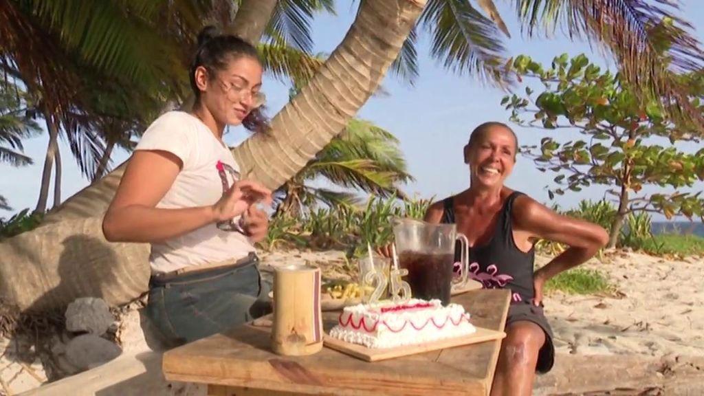 Dakota celebra su 25 cumpleaños junto a Isabel Pantoja y una fabulosa cena