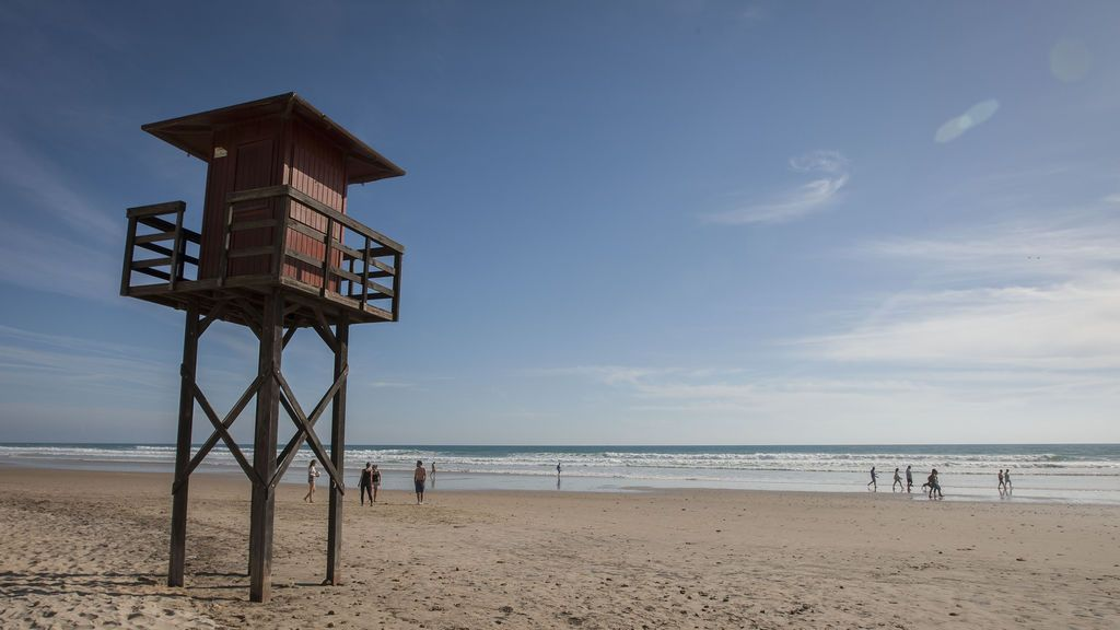 Muere una bañista en Gerona en una playa sin servicio de socorrista