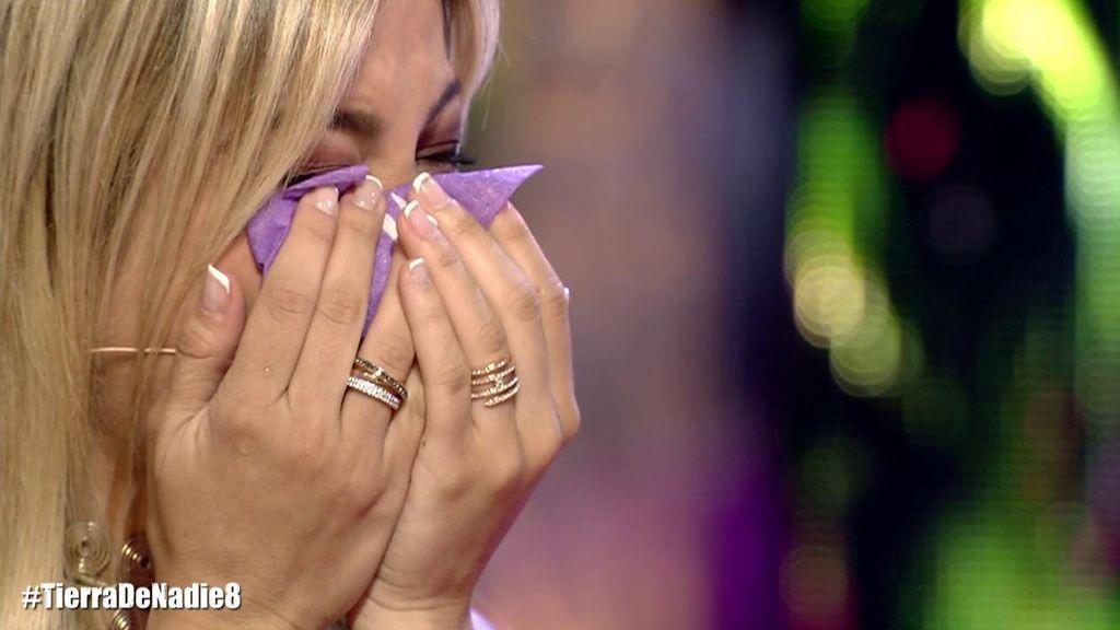 Oriana Marzoli rompe a llorar en directo tras recibir una información de su exnovio
