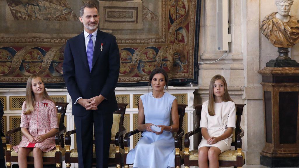 Felipe VI, arropado por la reina Letizia y las infantas Leonor y Sofia en el quinto aniversario de su proclamación como Rey