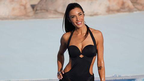 a9bbdb746cae Bañadores asimétricos negros: cómo llevar la tendencia del verano y huir  del moreno a trozos