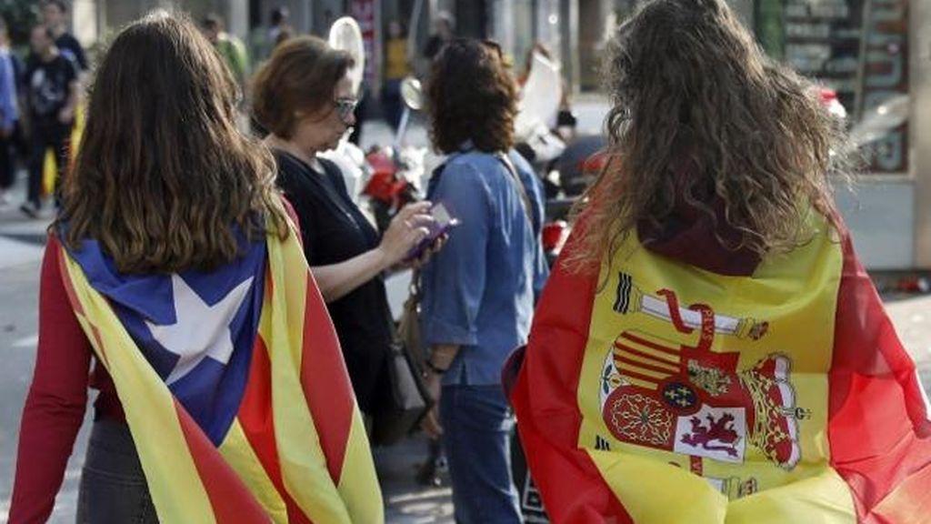 Denuncian a una profesora por presunta agresión a una alumna que dibujó banderas de España