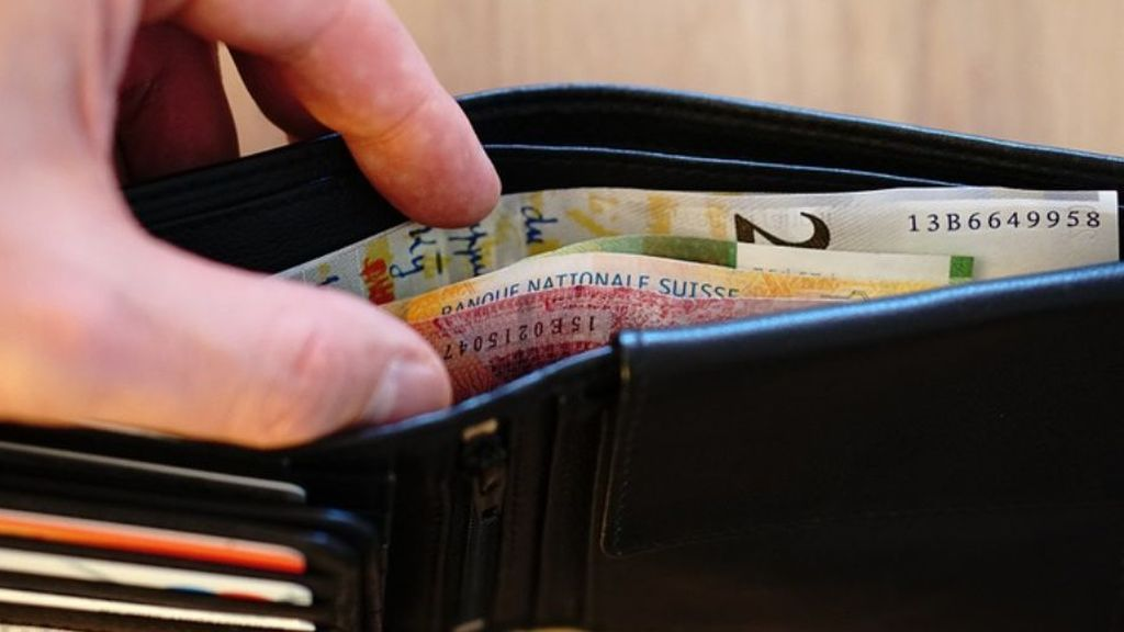 Si te encuentras una cartera en plena calle con los datos de su dueño... ¿la devolverías?
