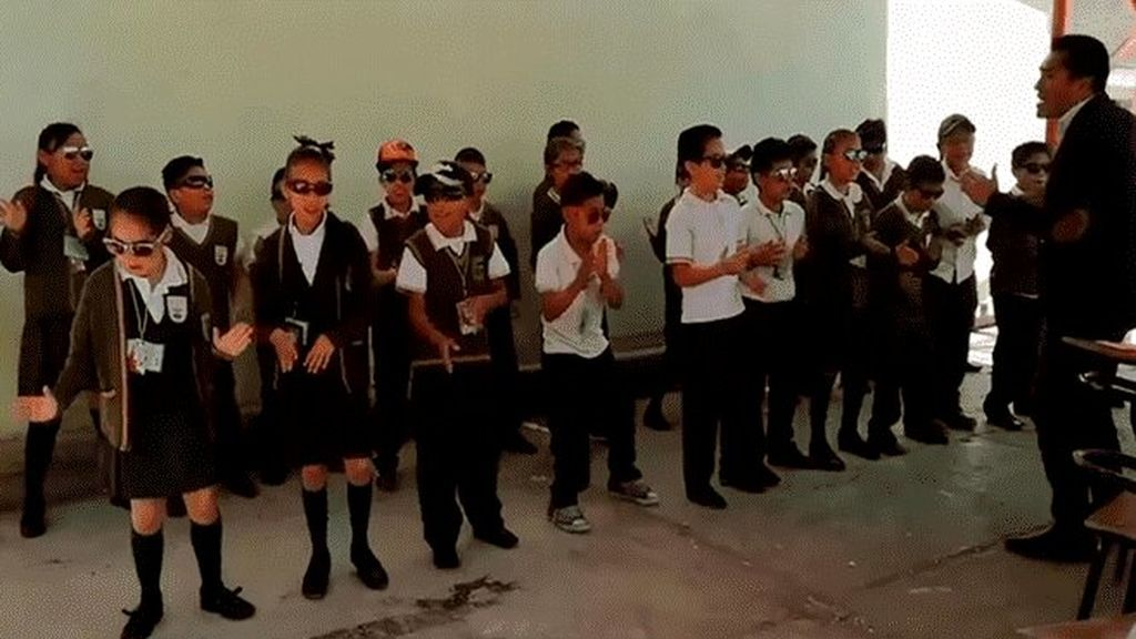 Matemáticas a ritmo de rap: Un profesor mexicano conquista a la Red