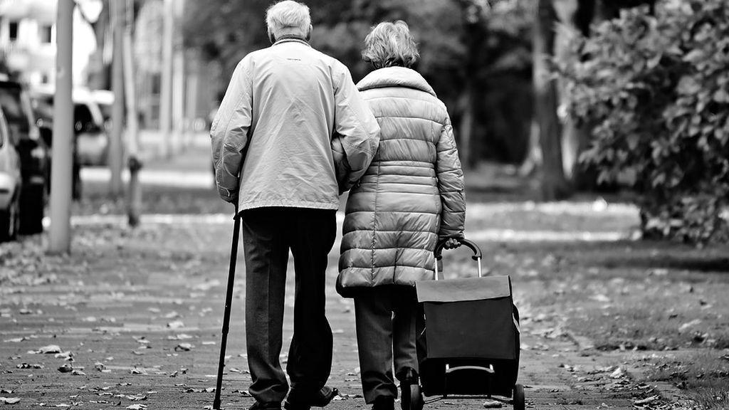 Investigan el asesinato y posterior suicidio de una pareja de ancianos en Roma por problemas económicos
