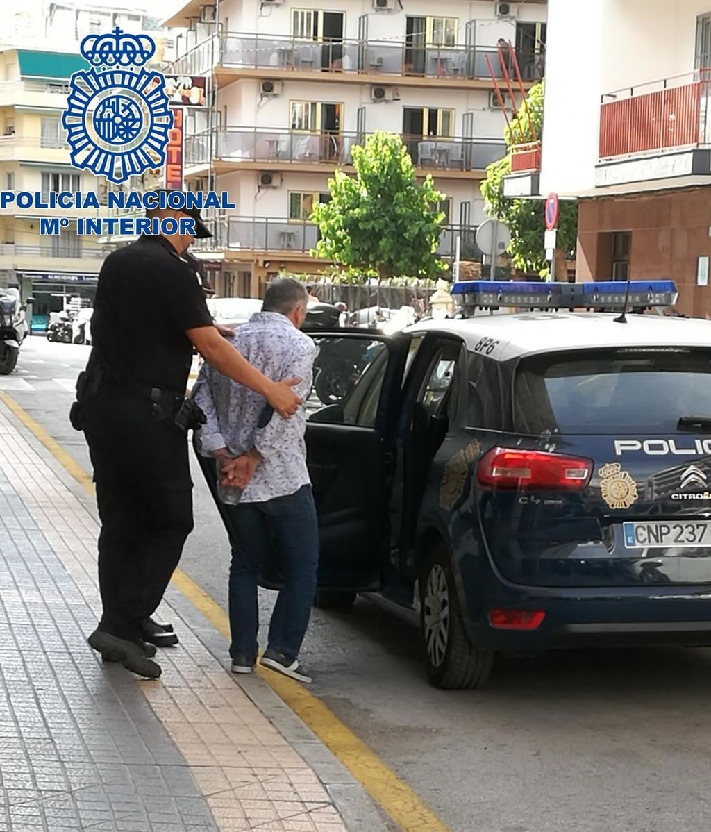 Detenido un hombre por herir a dos personas con un cuchillo en el cuello en Benidorm (Alicante)