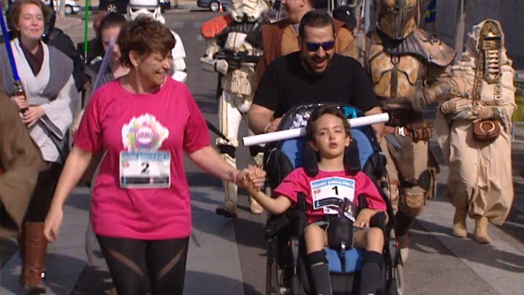 Seis kilómetros por Bruno, el pequeño que lucha desde hace cuatro años contra la encefalitis