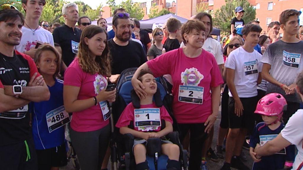 700 personas corren 6 kilómetros por Bruno, el pequeño que lucha contra una enfermedad rara