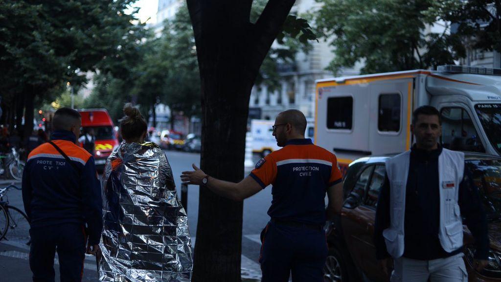 Al menos 3 muertos y 30 heridos en un incendio de un edificio residencial de París