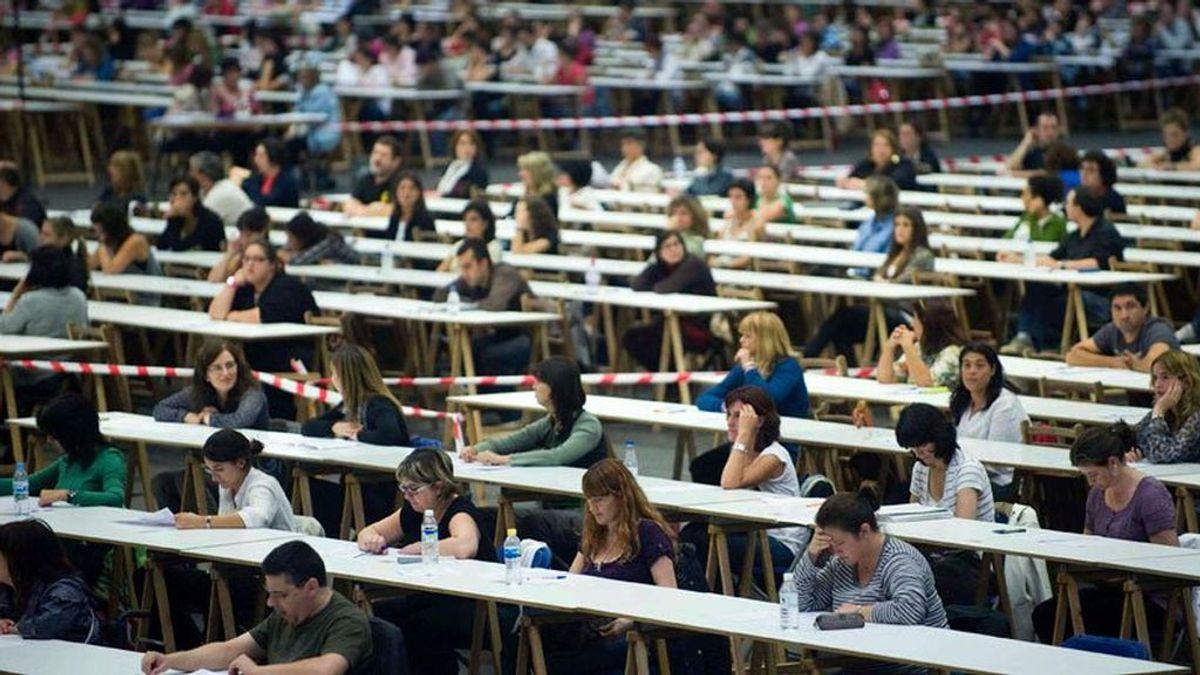 Entregan un examen de las oposiciones con las respuestas incluídas en Galicia