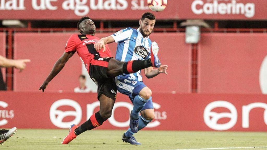 El Mallorca asciende a Primera División tras remontar la eliminatoria ante el Deportivo (3-0)