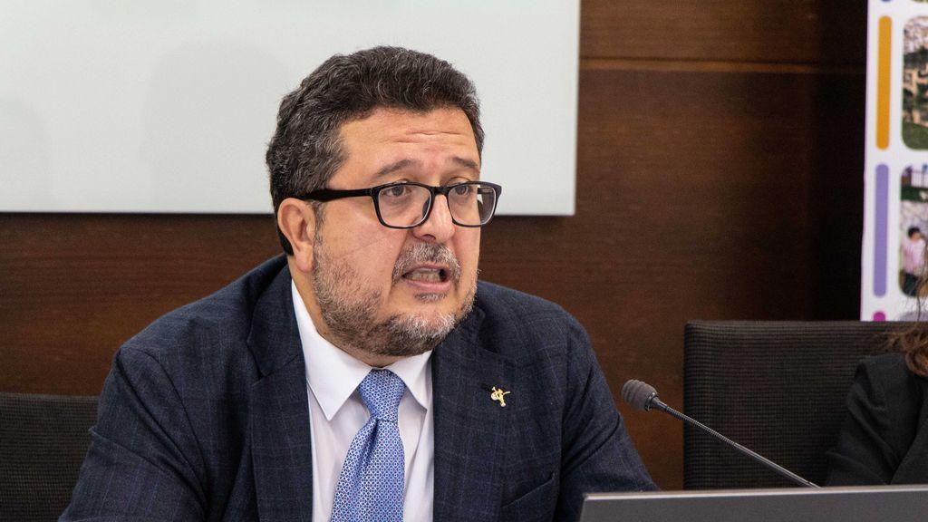 """Francisco Serrano (Vox) intenta sin suerte aclarar la polémica y asegura que la sentencia de La Manada fue dictada """"bajo presión de grupos de poder"""""""