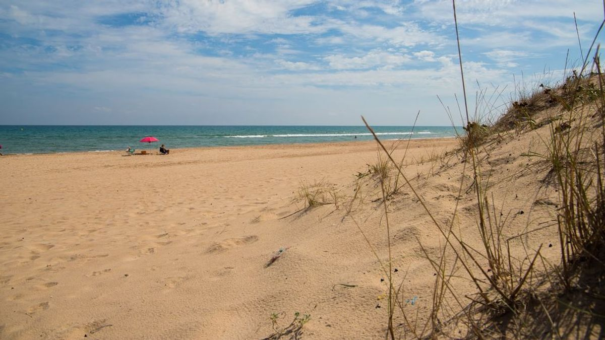 Cinco hombres detenidos por presunto abuso sexual en una playa nudista de Cullera