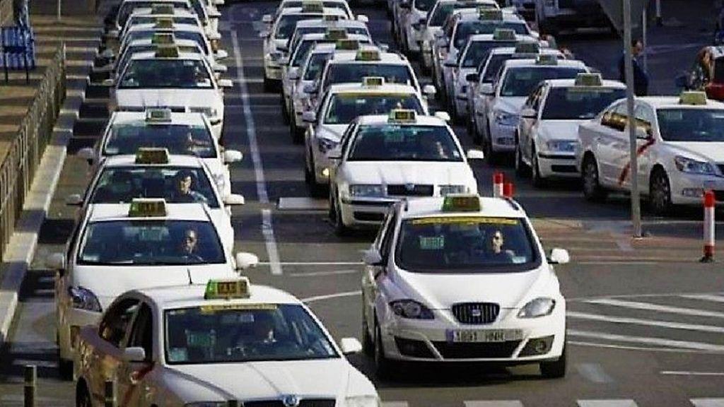 El Senado pagó 740000 euros en taxis a los senadores en la pasada legislatura