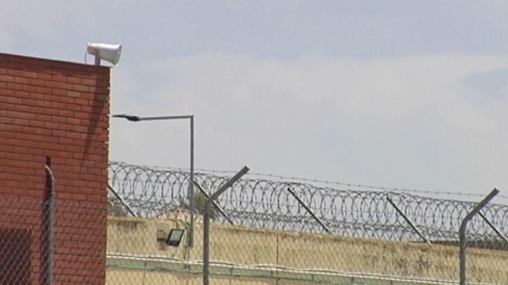 La Manada en la cárcel: Insultos, seguridad y cochinillo