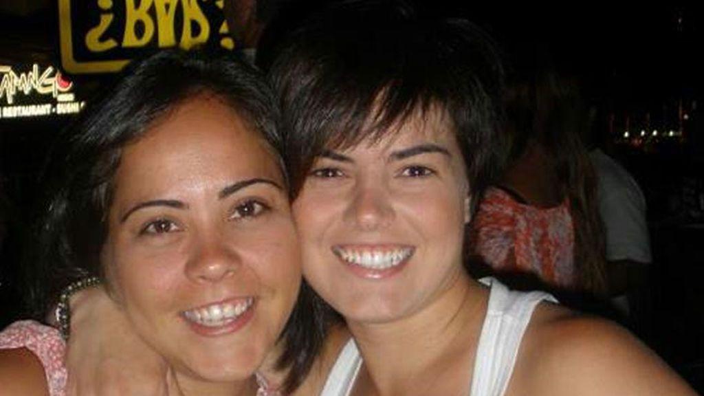 Laura y Ángela 'GH' presentan a sus mellizos
